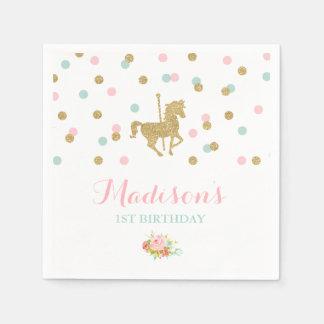 回転木馬の誕生会のナプキンのピンクの金ゴールドの回転木馬 スタンダードカクテルナプキン