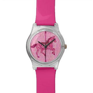回転木馬の馬-明るい赤紫色のピンク 腕時計