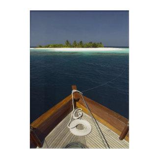 固定されたボートの接近の島 アクリルウォールアート
