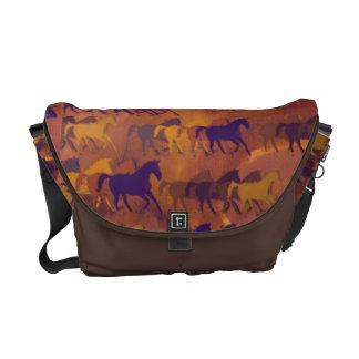 国の農場馬 メッセンジャーバッグ