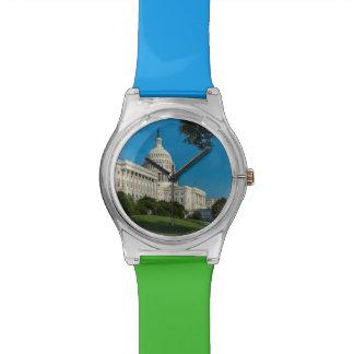 国会議事堂の建物の西の眺め 腕時計