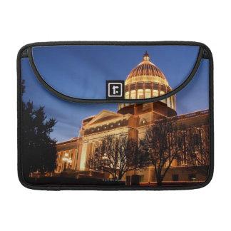 国会議事堂、リトルロックのクリスマスの照明 MacBook PROスリーブ