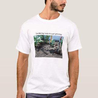 園芸工具を成長するなるために割り当てます Tシャツ