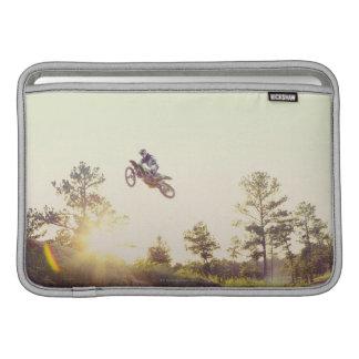 土のバイク MacBook スリーブ