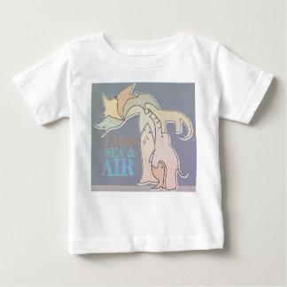 土地の海及びエア子供のTシャツ-素朴な色 ベビーTシャツ