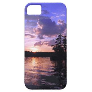 土地の穏やかな景色のたそがれの平和 iPhone SE/5/5s ケース