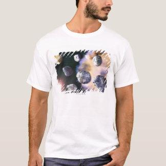 土星著小惑星そして赤い星(デジタル Tシャツ