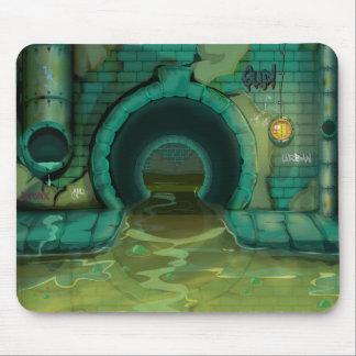地下の下水道のトンネルの漫画 マウスパッド