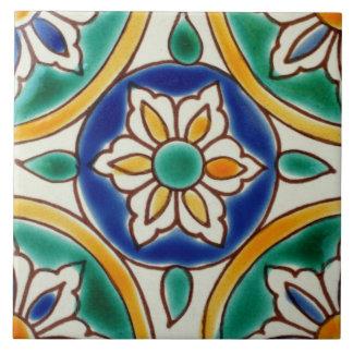 地中海のでスペインのな花の陶磁器の写真のタイル タイル