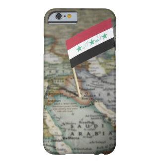 地図のイラクの旗 BARELY THERE iPhone 6 ケース