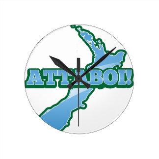 地図ATTABOIが付いているニュージーランド! ラウンド壁時計