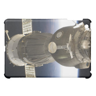 地球によってbackdropped Soyuzの宇宙船 iPad Mini Case