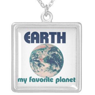 地球は私のお気に入りのな惑星です ネックレス