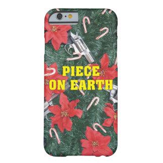 地球銃のクリスマスの部分 BARELY THERE iPhone 6 ケース