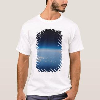 地球4の高度の写真 Tシャツ