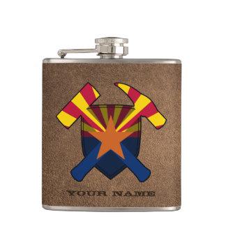 地質学者の石のハンマーの盾のアリゾナの旗 フラスク