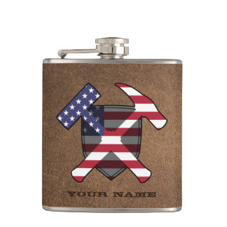 地質学者の石のハンマーの盾の米国旗 フラスク