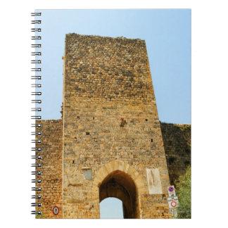 城砦の低い角度眺め、Porta Franca、 ノートブック