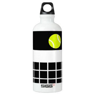 堅いテニスコート ウォーターボトル