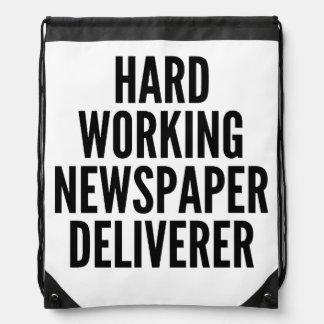 堅い働く新聞救出者 ナップサック