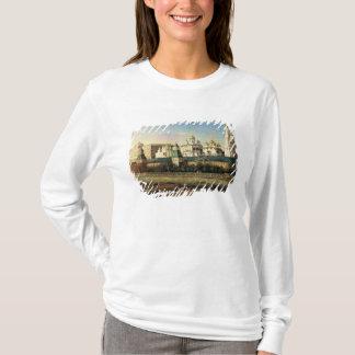 堤防からのモスクワクレムリンの眺め Tシャツ