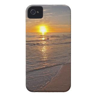場合: ビーチによる日没 Case-Mate iPhone 4 ケース