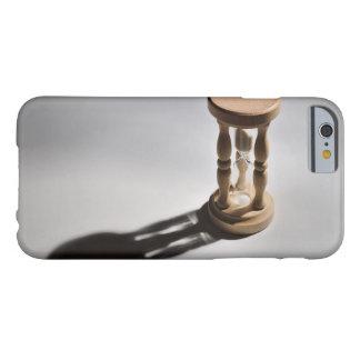 場合: Sandglassのカウント Barely There iPhone 6 ケース