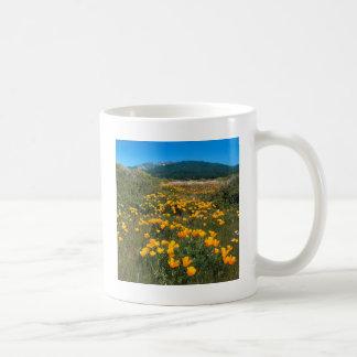 場面黄色い煉瓦道のハナビシソウ コーヒーマグカップ