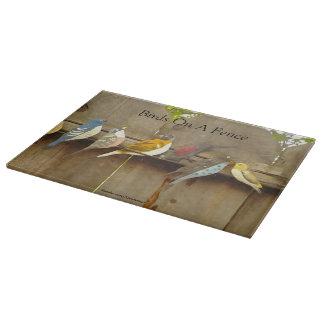 塀の鳥 カッティングボード