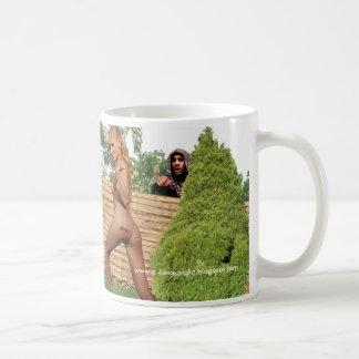 塀 コーヒーマグカップ