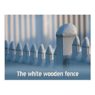 塀CC0684の冬の日曜日の白い木の郵便はがき ポストカード