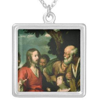 塊および魚、c.1630の奇跡 シルバープレートネックレス