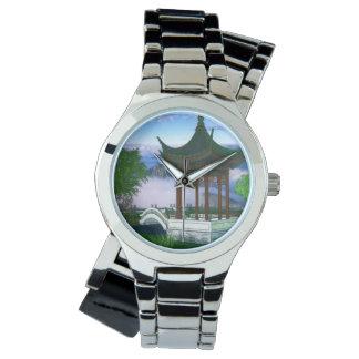 塔の自然の景色のファンタジー 腕時計