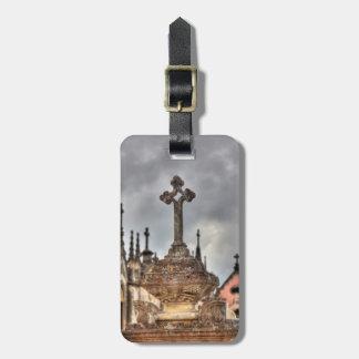 墓地の十字のクローズアップ、ポルトガル ラゲッジタグ
