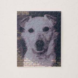 壁の背景を持つ混合された品種犬 ジグソーパズル