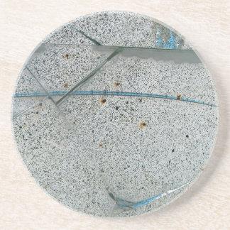 壊れた割れた、汚れたガラス コースター