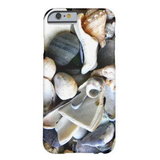 壊れた海の貝 BARELY THERE iPhone 6 ケース