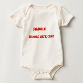 壊れやすい心配の乳児のTシャツによって扱って下さい ベビーボディスーツ