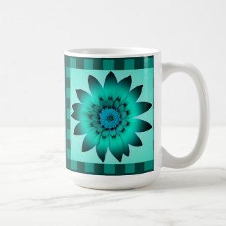 士官候補生の青デイジーの花、パターンは-マグを縞で飾ります コーヒーマグカップ