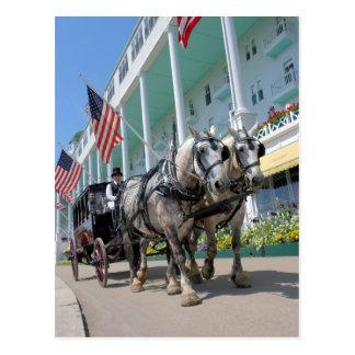 壮大なホテル- Mackinacの島、ミシガン州 ポストカード