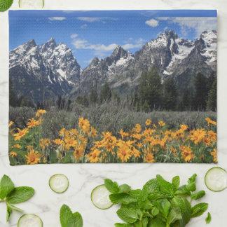 壮大なTetonの春の記念品の写真 キッチンタオル