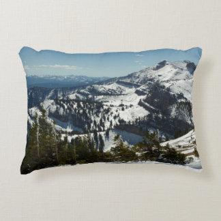壮大なTeton山IIの写真の雪に覆われた峰々 アクセントクッション