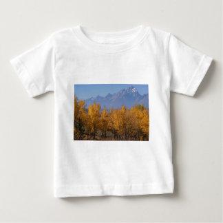 壮大なTetonsの秋 ベビーTシャツ