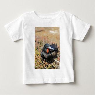 壮麗なグンカンドリのガラパゴス諸島 ベビーTシャツ
