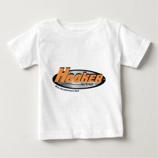 売春婦の可聴周波商品 ベビーTシャツ