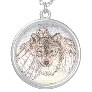 変形のオオカミ シルバープレートネックレス