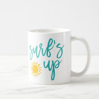 夏のタイポグラフィの上の波 コーヒーマグカップ