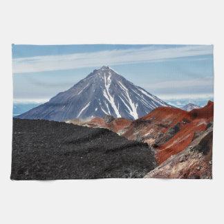 夏のパノラマ式の火山景色 キッチンタオル