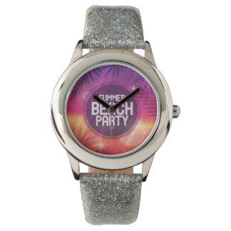 夏のビーチのパーティ夜 腕時計
