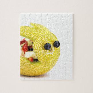 夏のフルーツで満ちているメロンのイースターのウサギ ジグソーパズル
